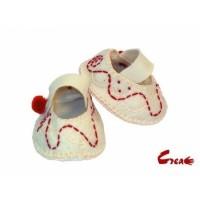 Baby Shoes DIY kit - White Felt -
