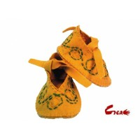 Baby Shoes DIY kit - Yellow Felt -