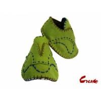 Baby Shoes DIY kit - Green Felt -